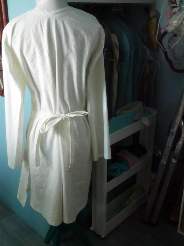 Blouse croisée pour les aides soignants dos